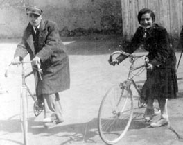 REMB 2 Lola and Her Brother Alter in Pre-War Kielce rev (1)