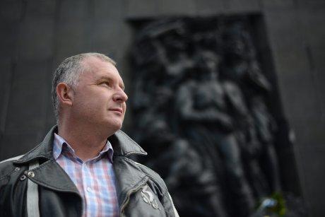 Piotr-Piwowarczyk--autor-filmu--Amnezja--przy-Pomn